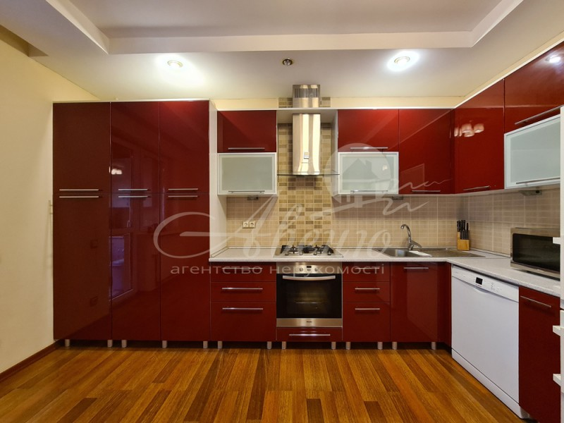 Предлагаю купить просторную однокомнатную квартиру...